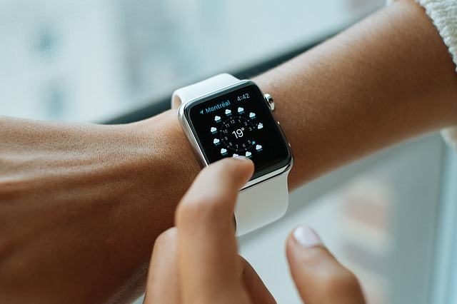 Why Everyone Is Talking About A Smart Watch?